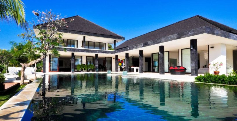 Bali villa in Lovina for sale