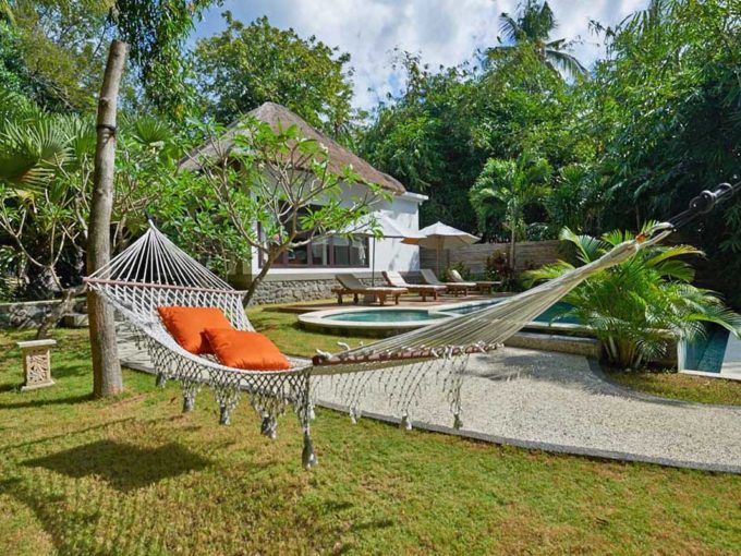 Oceanfront villa for sale on Bali - 04