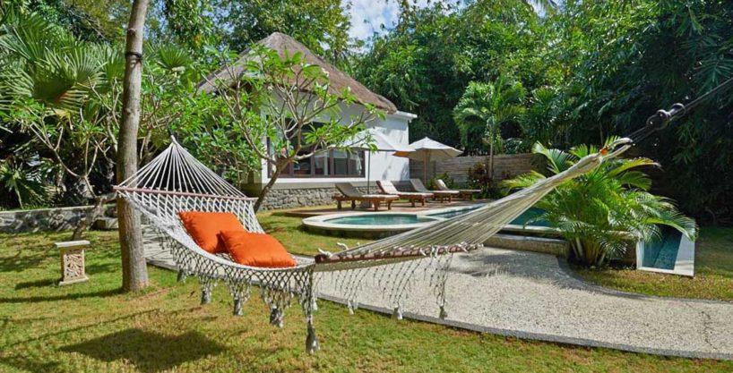 Oceanfront villa for sale on Bali - 04