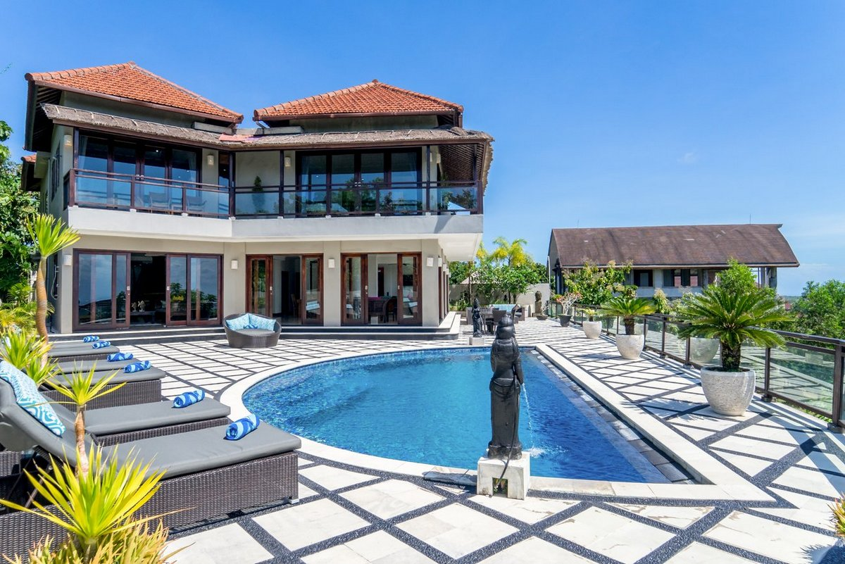 6 bedrooms villa King in Pecatu